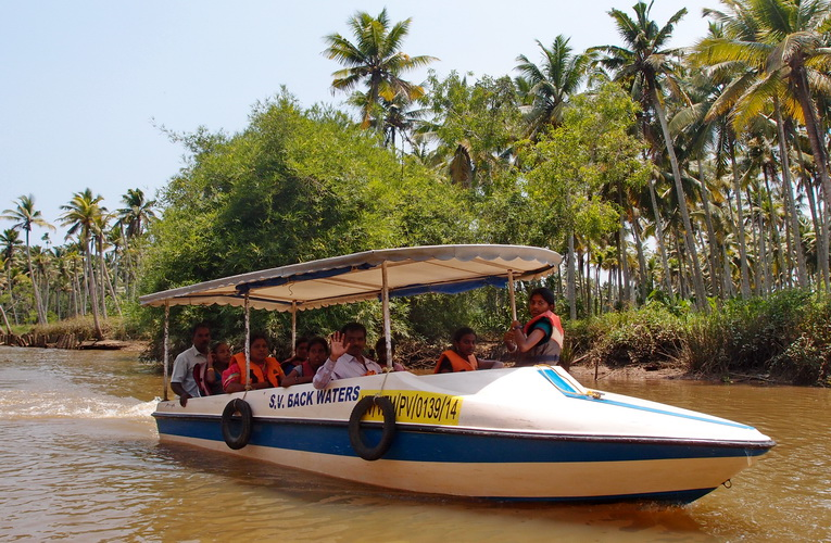 Poovar Island Resort - check out